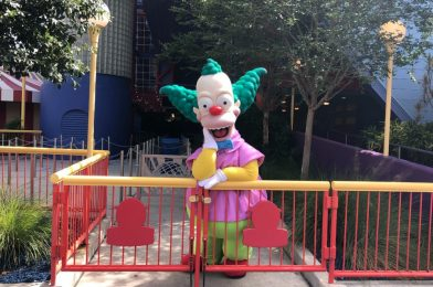 "PHOTO REPORT: Universal Orlando Resort 6/29/20 (UOAP Mask Restock, ""Love is Universal"" Jersey, Fresh Roasted Nuts, Lots of Characters, More Food Stands Reopen, and More)"