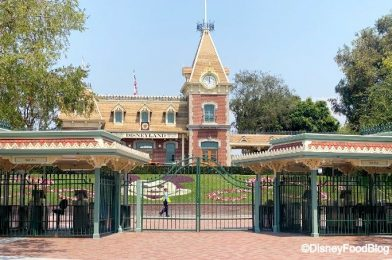 PHOTOS: Construction Scaffolding Removed from Disneyland's Emporium