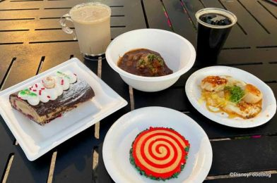 REVIEW! EPCOT's Yukon Kitchen Brought Us RICH Beef Bourguignon and GORGEOUS Gingerbread Cakes!